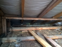 Kurkistus katon alle