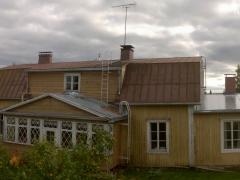 Uutta kattoa ja rännejä edestä